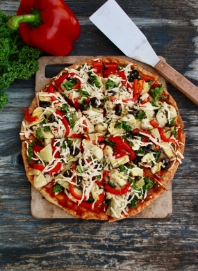 Artichoke, Red Pepper & Kale Pizza
